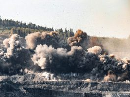 Explosion at gold mine
