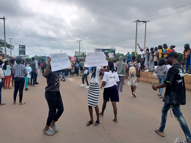 UNIBEN students protest hike